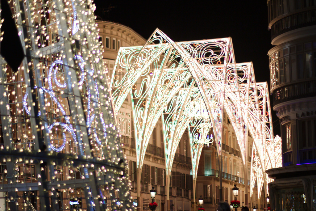 Málaga's famous Christmas lights set to dazzle once more